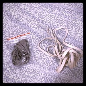 2 Pairs of Shoelaces
